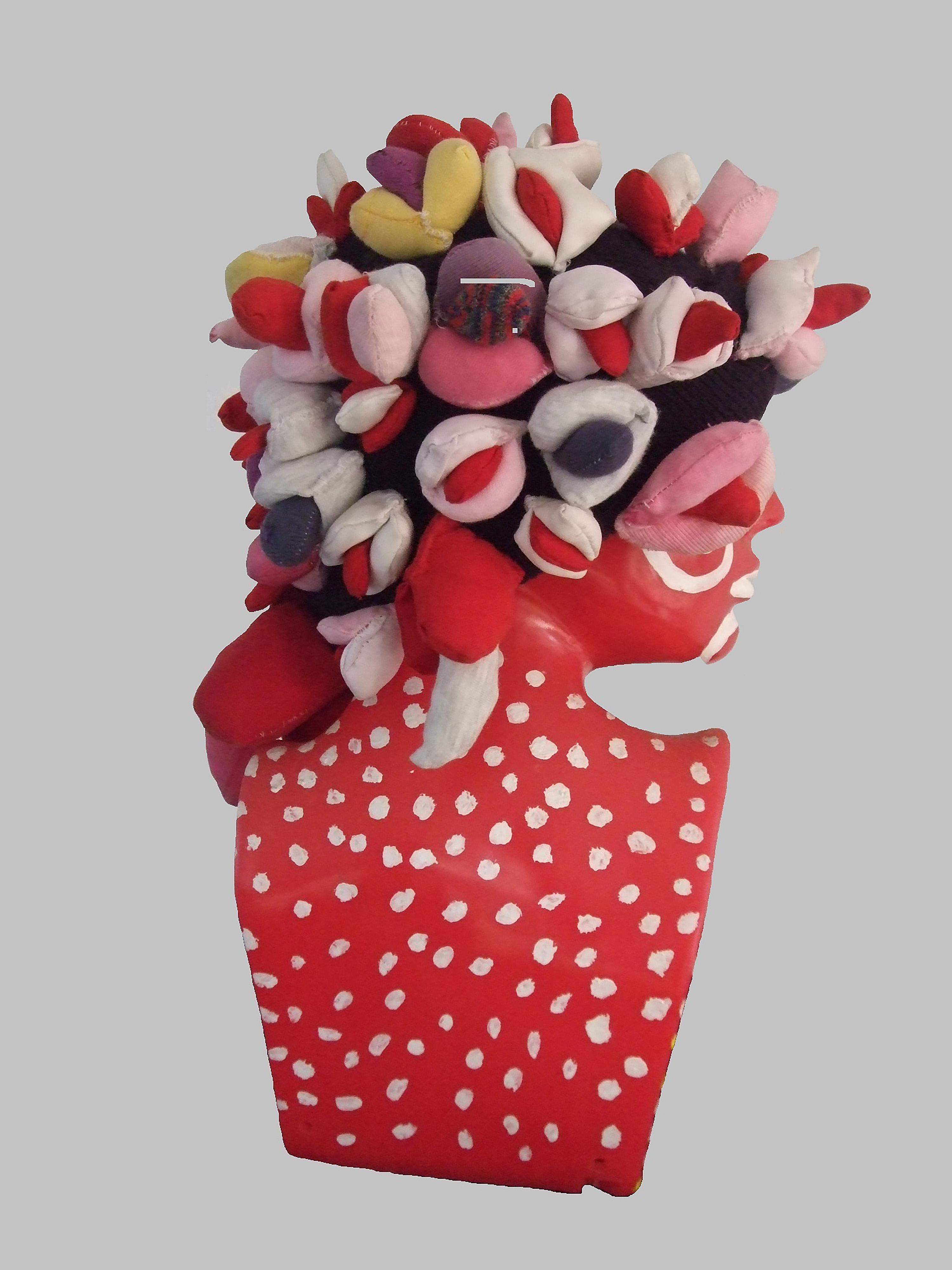 Alexandra Holownia-Fly cap, 45x25x10cm plasti, textill